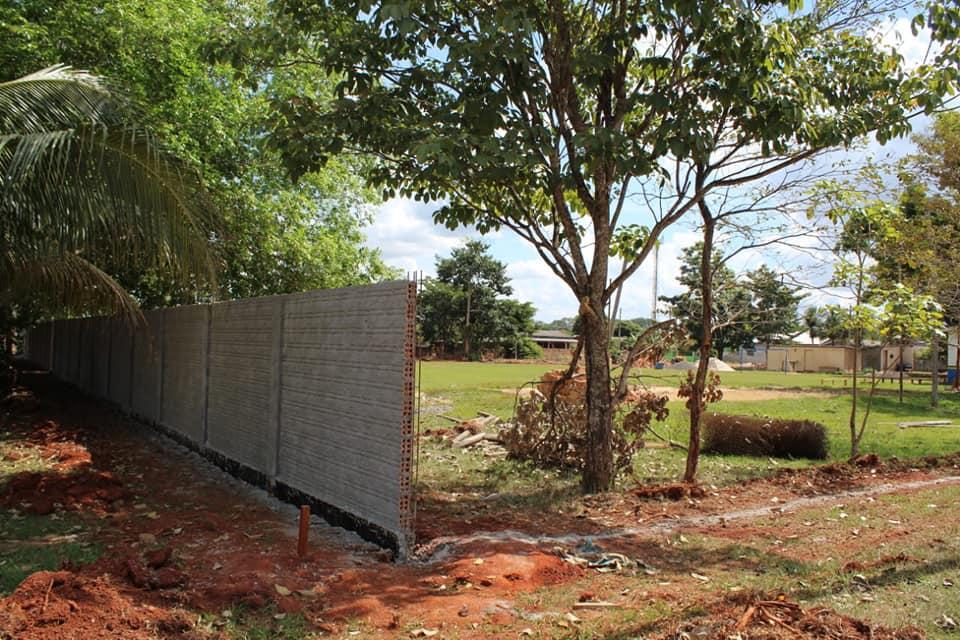 Construção do muro do quartel da PM em Cabixi com recursos de emenda parlamentar destinada por Luizinho Goebel.
