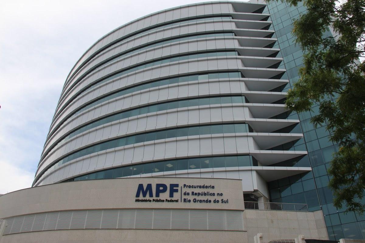 MPF move ação contra Sikêra Jr e pede R$ 10 milhões em multa por homofobia.