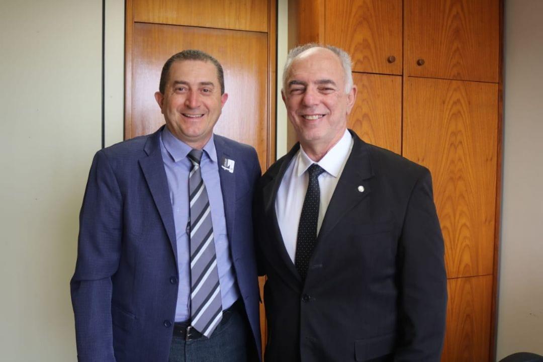 Vereador professor Sapata e Deputado Federal Mauro Nazif em seu gabinete em Brasília-DF.
