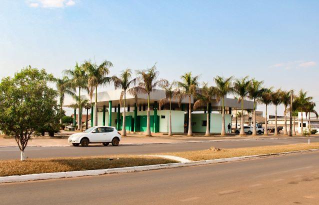 Novo terminal rodoviário de Cerejeiras. Para quem chega de ônibus, vai se deparar com uma rodoviária moderna. (Foto: Nayuri Ferreira)