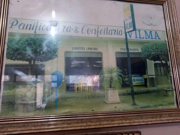 A primeira padaria, que ficava na Rua Rondônia, ao lado da Gazin. Ele começou vendendo pães para madeireiras. (Foto: Reprodução)
