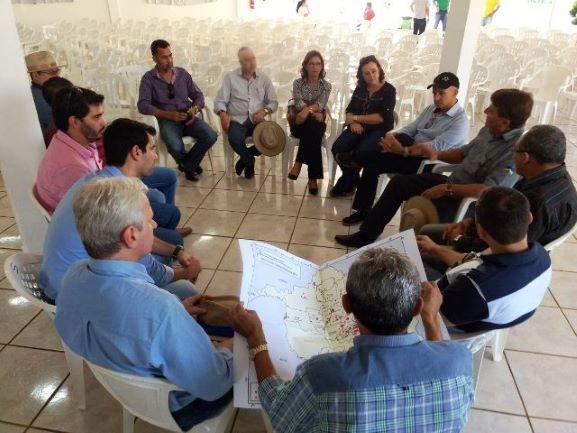 Lideranças cerejeirenses se reúnem com secretário da Agricultura de Rondônia e com superintendente do Sebrae, em 2017. Não adiantou. (Foto: Divulgação)