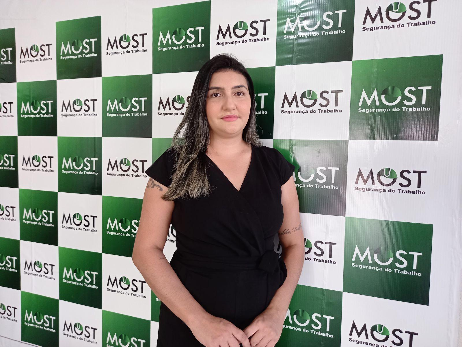 3: Monique Sousa é técnica de segurança do trabalho. A missão dela é proporcionar um ambiente mais seguro nas empresas e nas fazendas. (Foto: Rildo Costa)