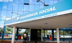 Governo libera 13º para aposentados e injeta R$ 53 bilhões na economia