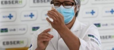 Brasil atinge 90 milhões de vacinados com 1ª dose, que representa 56% dos adultos