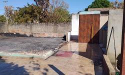 Mulher que teve casa destruída por incêndio em Cerejeiras, pede ajuda para recomeçar