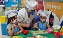 Crianças em tratamento contra o câncer participam de colônia de férias no Oncológico Infantil