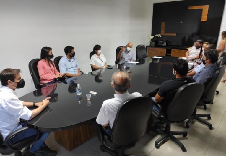 ENSINO SUPERIOR – Senador Confúcio Moura convoca união de forças em prol da educação