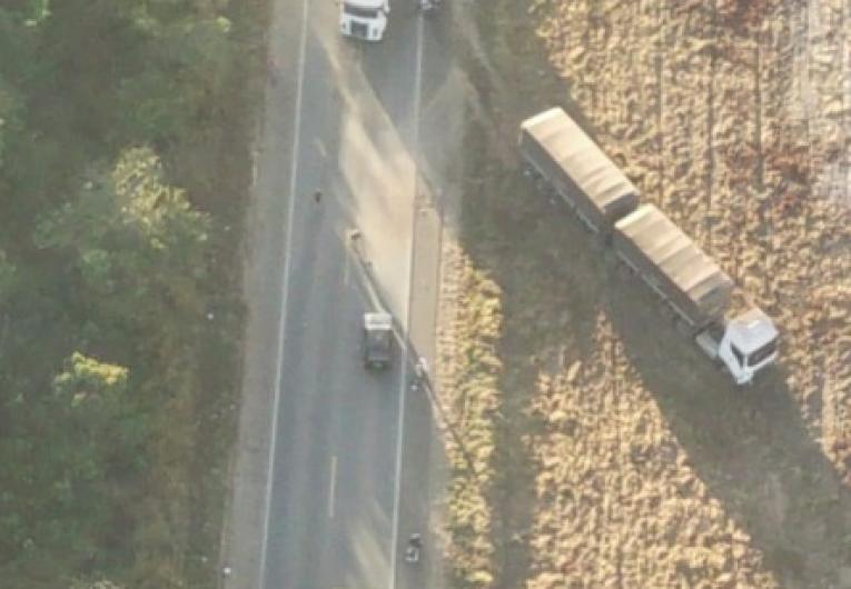 VÍDEO: Grave acidente na BR 364, carro partiu ao meio ao bater em carreta próximo a Vilhena