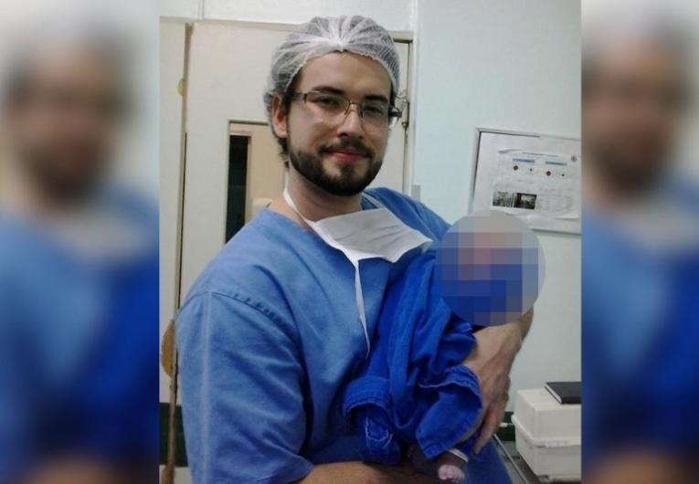 Médico vai a julgamento por morte de mulher grávida
