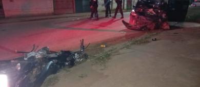 Bebê que estava em moto sobrevive após ser atropelada por carro; mãe e namorado morreram