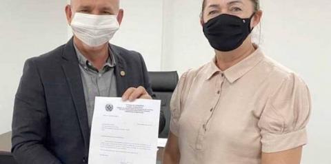 Deputado Ezequiel Neiva firma parceria para compra de ambulância para pronto-socorro de Vilhena