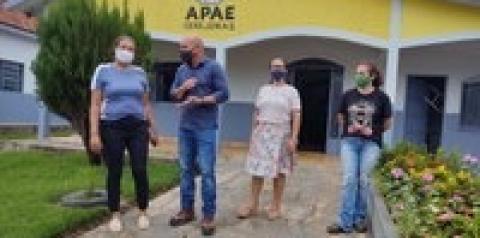 Apae de Cerejeiras recebe recurso do deputado Ezequiel Neiva para a compra de equipamentos fisioterapêuticos