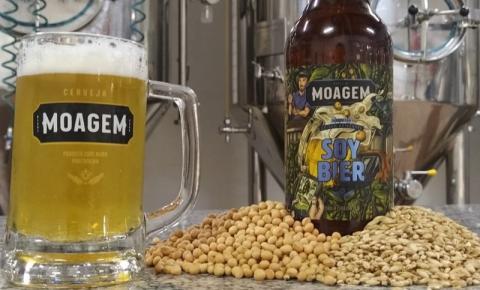 Empresário cria 'cerveja do agro' à base de soja e comemora sucesso; 'valorizando a região'