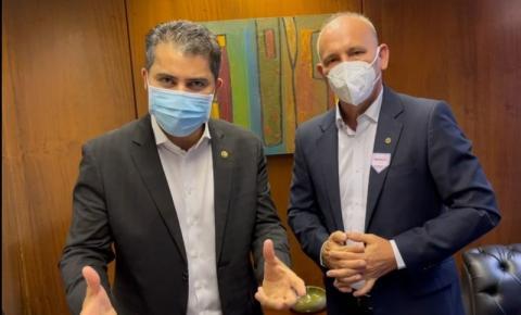 Senador Marcos Rogério reafirma ao deputado Ezequiel Neiva o compromisso de investir em asfalto de Cerejeiras