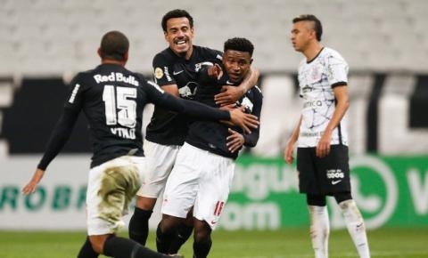 Bragantino supera Corinthians de virada no Brasileiro