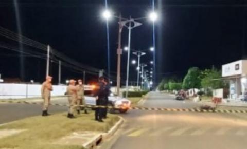 VÍDEO: Após colisão condutora perde controle de veículo e atropela homem em bar de Cerejeiras