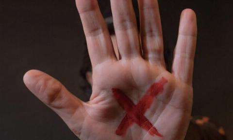 Crescem a dor e os números da violência contra a mulher