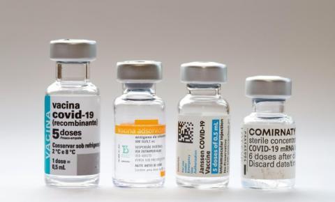 Prefeito de SP sanciona lei que coloca no fim da fila quem escolher marca de vacina contra Covid