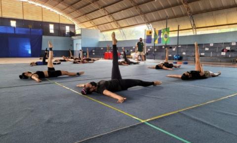 Estudantes de Vilhena participam de treinamento em Porto Velho para disputarem campeonato de ginástica rítmica na Bahia