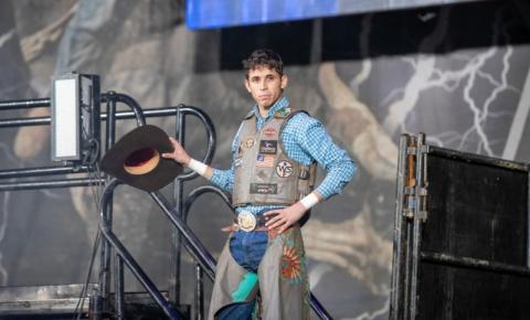 Cowboy brasileiro morre após sofrer acidente em etapa da PBR Velocity Tour