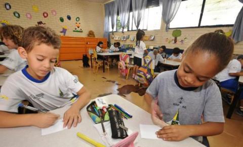 Pandemia causa impactos na alfabetização de crianças no Brasil