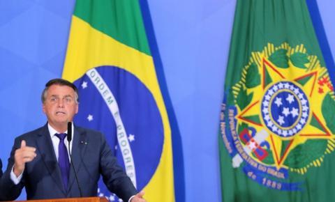 Presidente Bolsonaro pede liberação de rodovias aos caminhoneiros