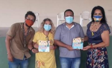 Escritora Rondoniense lança obra literária na Terra dos Botos no estado do Amazonas