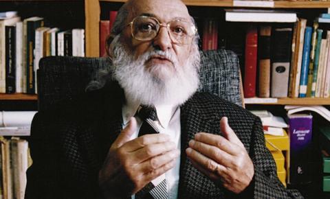 """Dia dos Professores: TV Cultura exibe documentário """"Paulo Freire, 100 anos"""