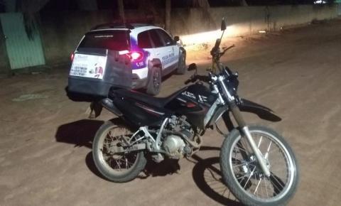 CEREJEIRAS: PM recupera motocicleta roubada e bandidos são presos, 2 adolescentes envolvidos