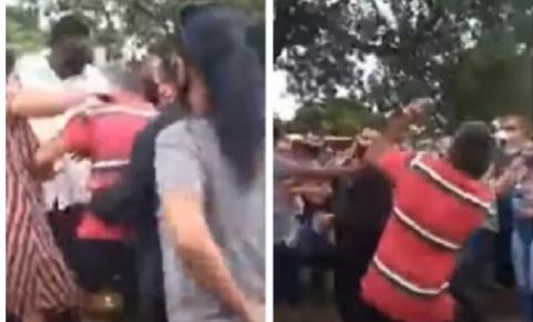 Seis da mesma família vão parar na delegacia após briga para abrir caixão durante enterro