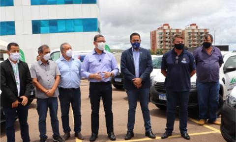 Deputado Chiquinho da Emater participa da entrega de veículos para Emater
