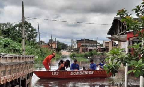 Rio Laco em Sena Madureira transborda e atinge mais de 400 moradores em 7 bairros