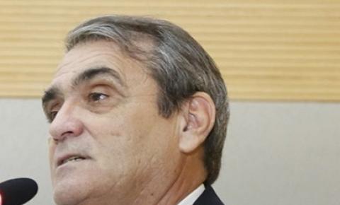 Deputado Chiquinho da Emater cria Projeto de Lei para instalação de placas em braile nas paradas de ônibus